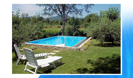 Construction piscine hors sol laghetto for Piscine coque polyester hors sol